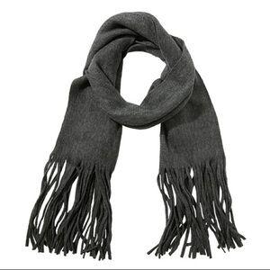 lucky brand gray scarf